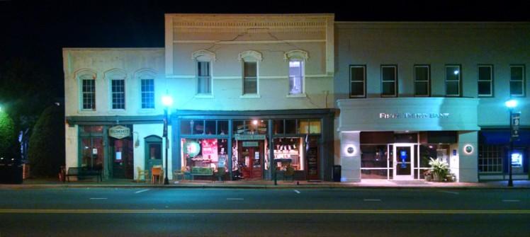 Main Street Davidson NC. (©2015 David Boraks)