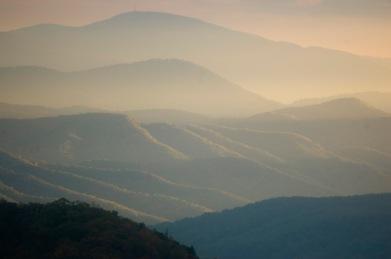 Afternoon sun from the Blue Ridge Parkway, near Alta Pass. (©2008 David Boraks)