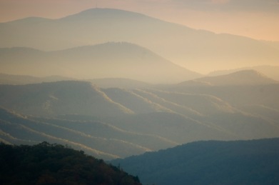Afternoon sun from the Blue Ridge Parkway, near Alta Pass. (©2008 David Boraks)
