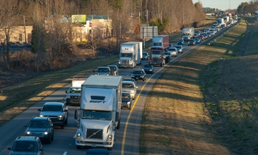 Morning rush hour on I-77 southbound in Cornelius. (©2013 David Boraks)