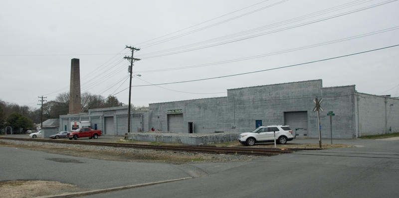 A developer wants to build 183 apartmetns at the Metrolina Warehouse site in downtown Davidson.